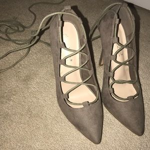 NWOT Lace up pointed toe suede heels/pumps